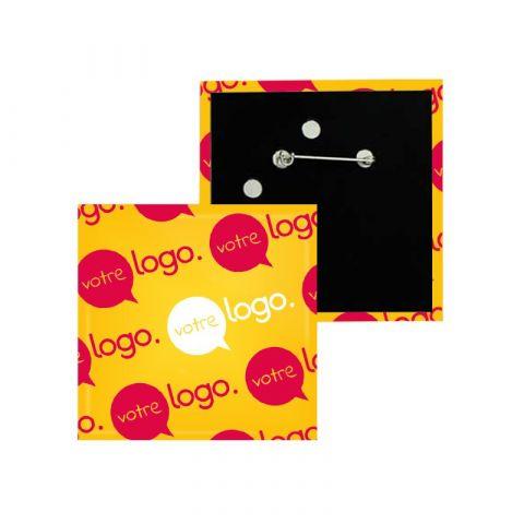 Badge carré publicitaire avec épingle - 80x80mm